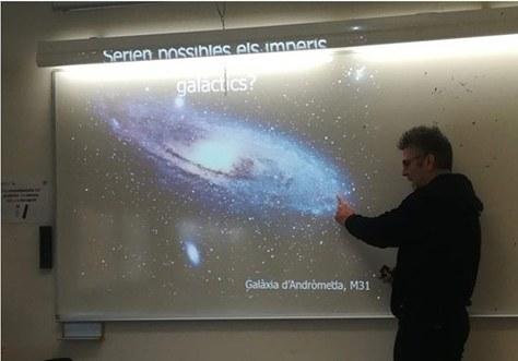 En el marc de la 25ª Setmana de la Ciència, el professor Manuel Moreno va impartir la conferència: 'El futur segons Isaac Asimov: Robots, Imperis Galàctics i Viatges Espacials'